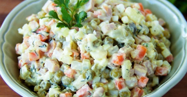 Russian Olivier salad. Choose from: / smoked ham / chicken / mushrooms