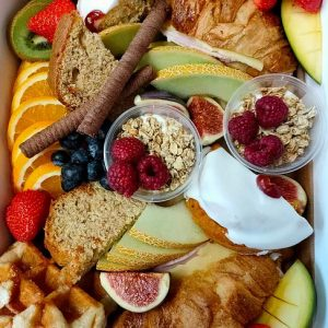 BREAKFAST PLATTER BOX for 2 people
