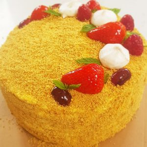 Honey cake Medovik (10-12 portions)